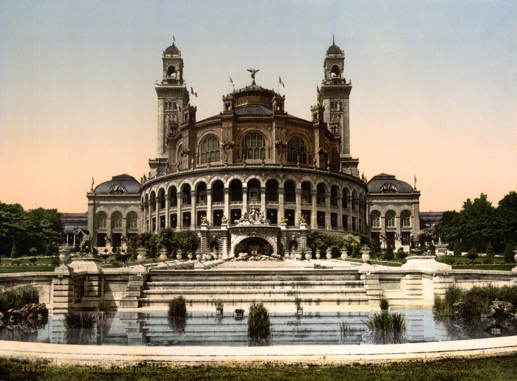 http://sunidgroup.com.vn/wp-content/uploads/2017/08/The_Trocadero_Exposition_Universal_1900_Paris_France.jpg