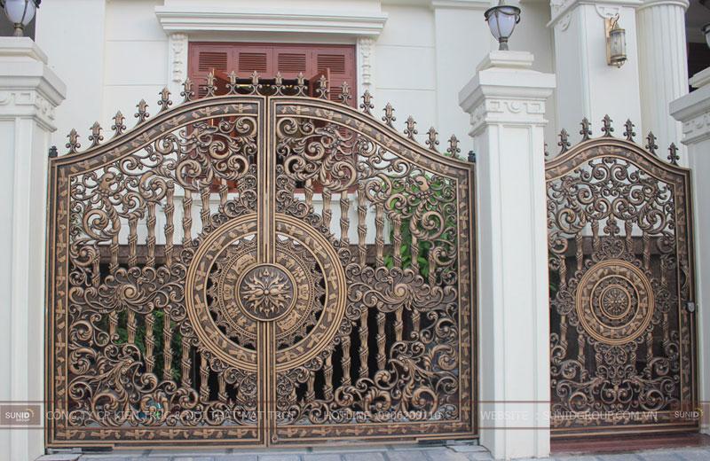 Những mẫu cổng gang đúc - cổng nhôm đúc đẹp nhất hiện nay