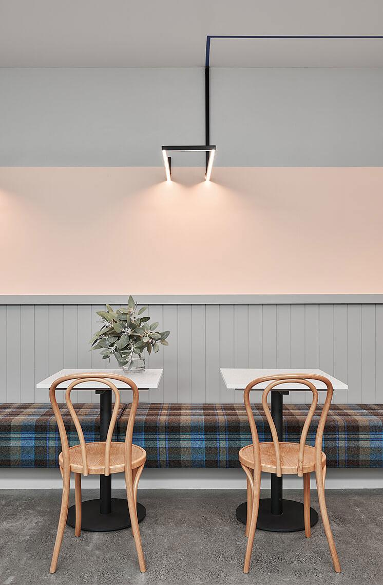 thiết kế quán trà sữa nhỏ đẹp lung linh ảnh 17