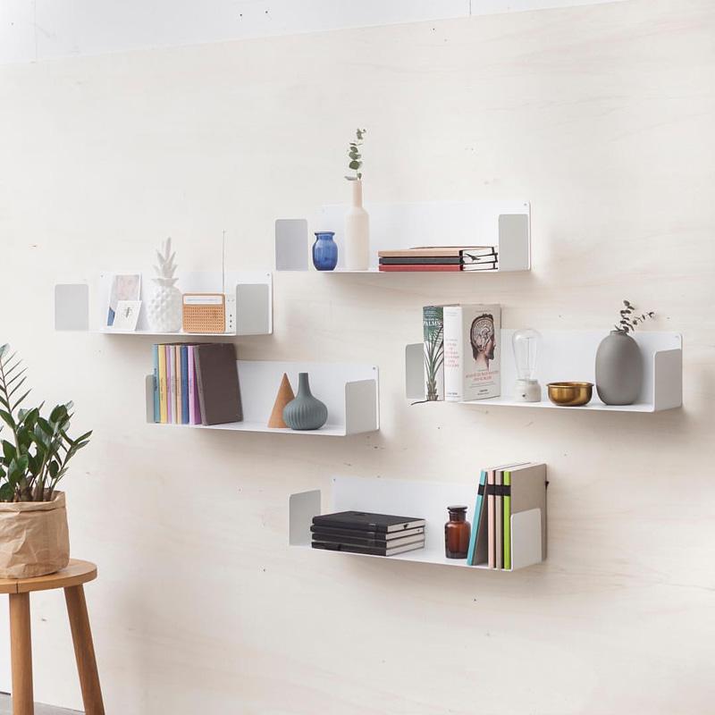 Giải pháp trang trí kệ treo tường giúp tiết kiệm không gian