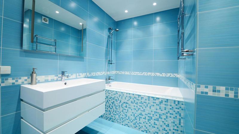 phòng tắm màu nổi bật