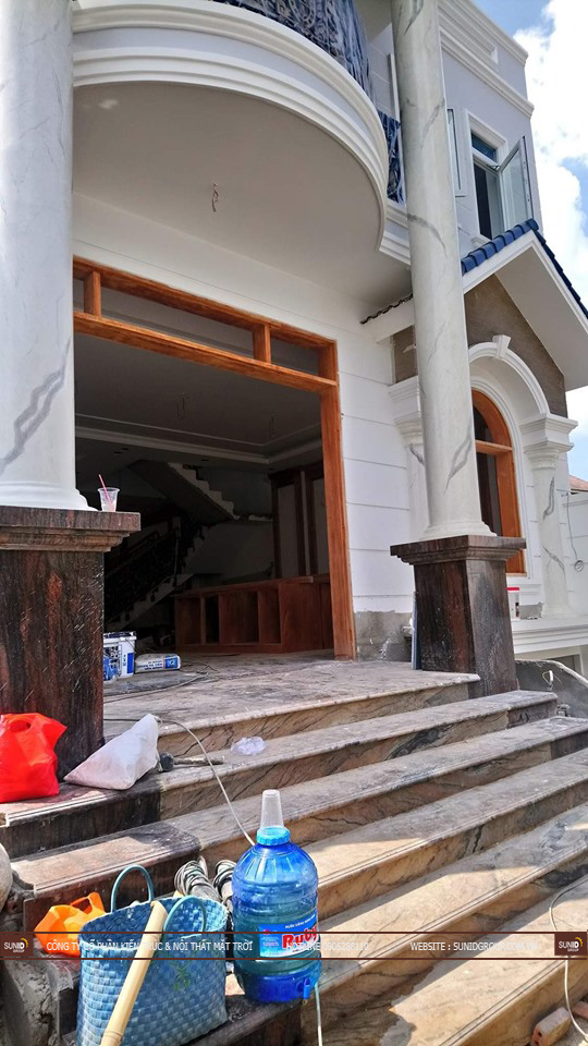 Lắp đặt cửa chính căn biệt thự cao cấp tại Nam Định