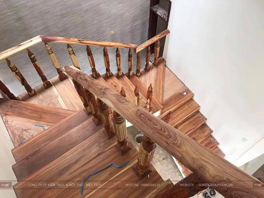 Cầu thang được làm bằng gỗ An Cường