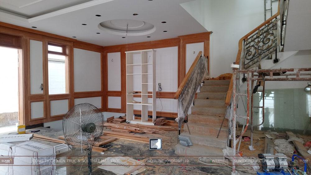 Cầu thang lên tầng trên