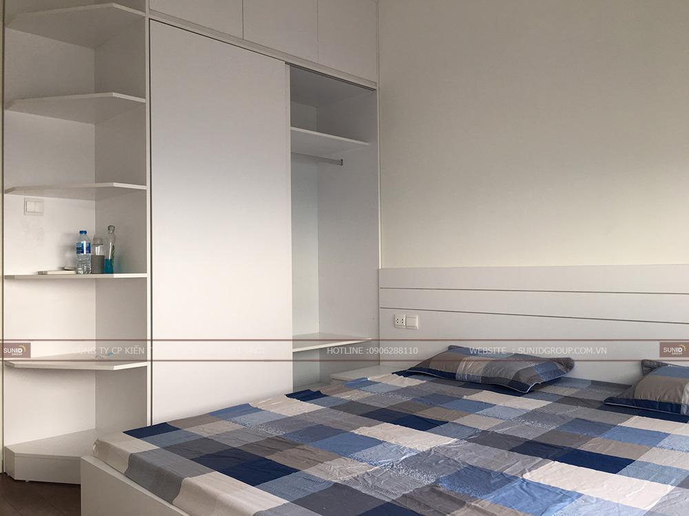 Giường ngủ thông minh có ngăn kéo, hệ thống kệ tự quần áo được thiết kế sát trần nhằm tận dụng tối đa diện tích và không gian lưu trữ